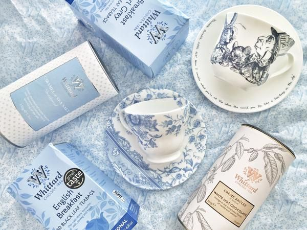 We were sent this wonderful photo by customer, Kristy (@KristyL0ves), on Twitter. Perfectly colour coordinating our teas and hot chocolate with our Alice in Wonderland collection, Blue Chintz china, Caramel and Sea Salt shortbread and tissue paper!