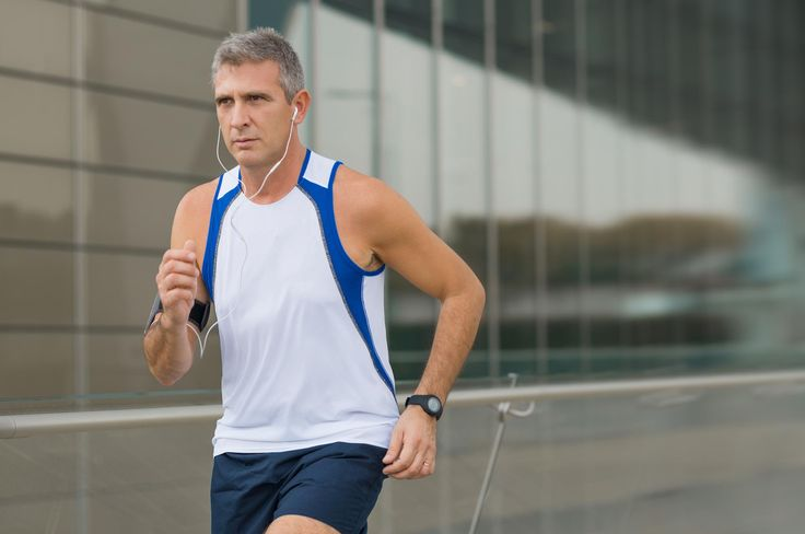 Trouvez votre entraînement :Débuter le sport pour les seniors en pratiquant la marche à pied, 1 séance par semaine pendant 8 semaines.