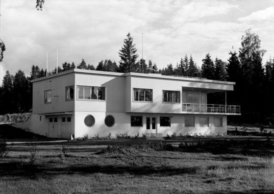 Arkitekt Rolf Prag; Villa Nordby i Sandvika 1938, Stange i Hedmark