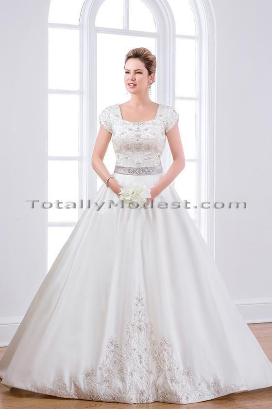 106 best Wedding dress images on Pinterest | Gown wedding, Getting ...