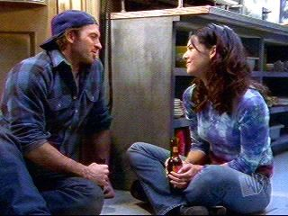 Luke and Lorelai    THEYRE JUST SO PERFECT