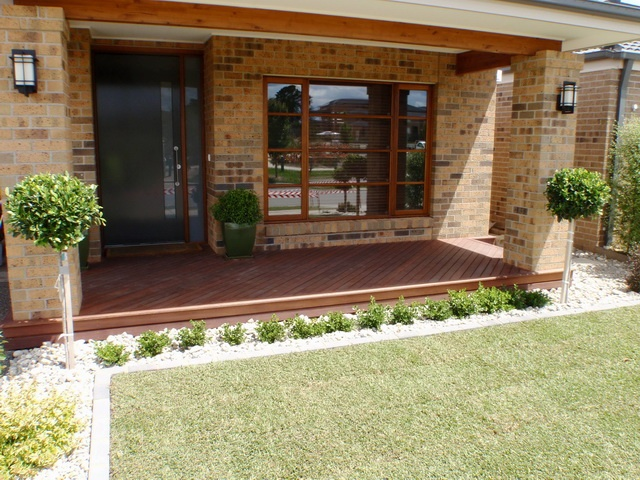 Outdoor living alfresco deck entry landscaping outdoor for Front garden decking ideas