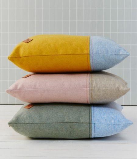 Zachte kussens en grid behang - bekijk en koop de producten van dit beeld op shopinstijl.nl