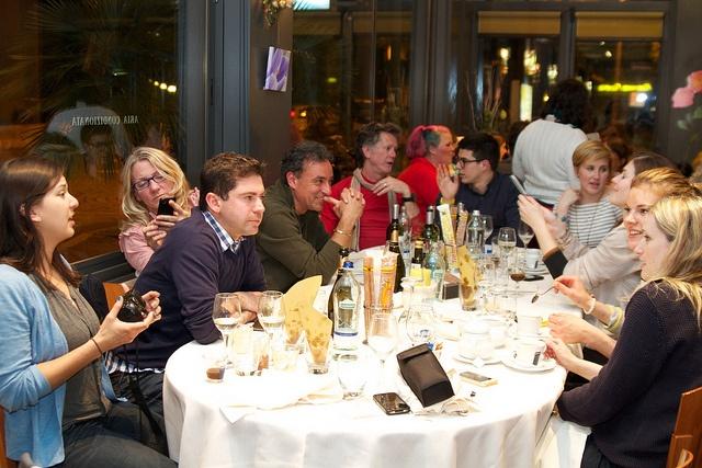 Happy bloggers feasting & chatting in Cesenatico, Italy #CesenaticoBellaVita