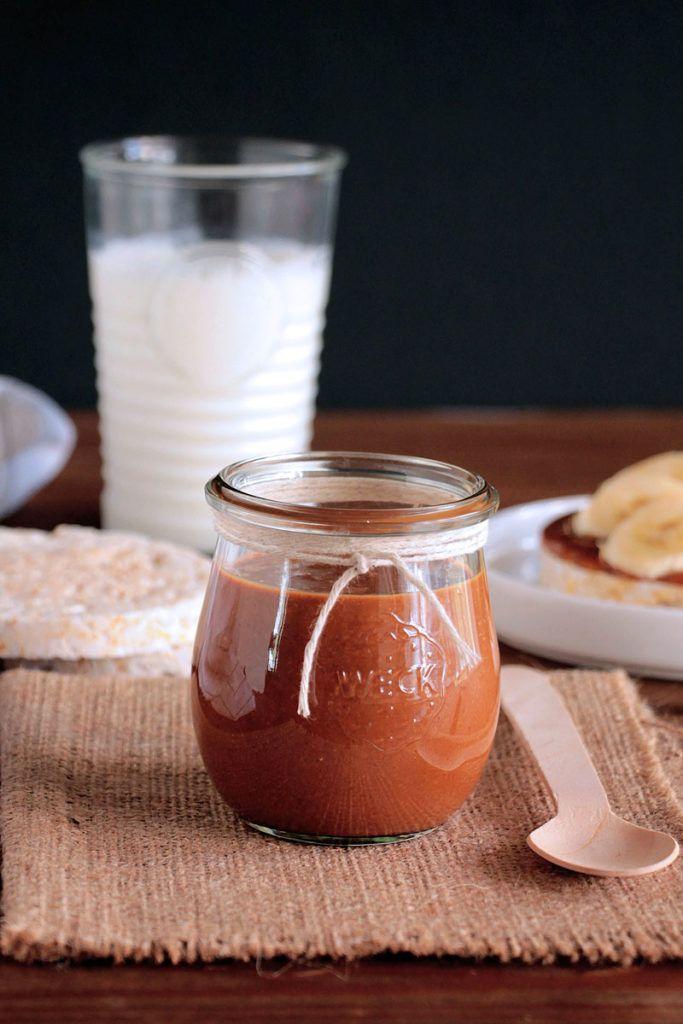 Το σπιτικό φυστικοβούτυρο φτιάχνεται με 2 μόλις υλικά, είναι απίστευτα εύκολο στην προετοιμασία του και εξαιρετικά γευστικό.