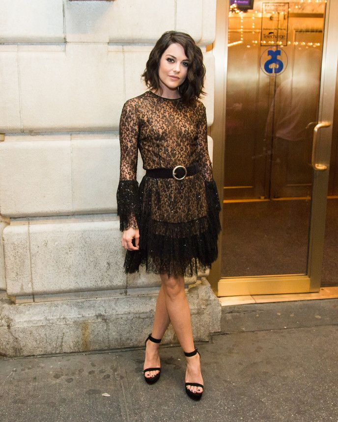 Meet the New Wave of Chic Starlets to Watch in 2015 – Vogue. Sarah Greene in Michael Kors The Tony-nominated actress might have theater training, but her sophisticated sensibilities also make for great red-carpet style. She stunned in a strapless Thakoon dress at the Met Gala this year, and looked just as elegant in a festive frock by Michael Kors at the National Theatre Gala.
