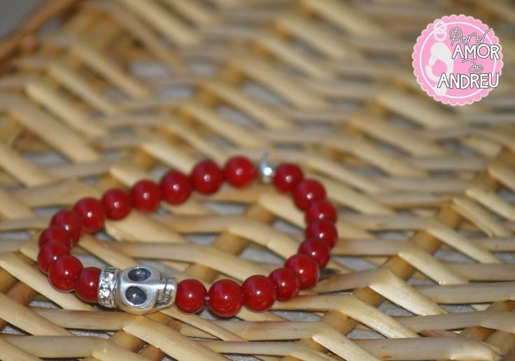 CORAL CALAVERA Ref 4 #bracelet #pulsera Pulsera compuesta por bolitas de mineral de coral, una calavera de plata y una corona de cristal