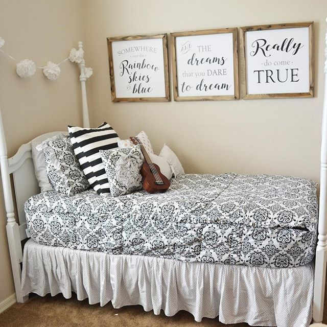 Good news! You can get this bedding in twin size for only $149 using the code GIFTCARD50. AND these adorable signs from @whimzicalwoods are HALF OFF right now!! Happy Thursday!