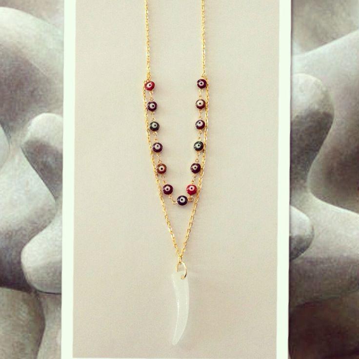 Collar largo con ojitos turcos y diente de cuarzo para el mal de ojo hermoso de venta en MOMA