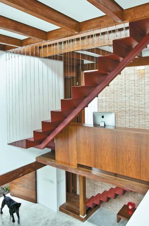 Integração total: os espaços se conectam na morada paulistana. #arquitetura #casa #house