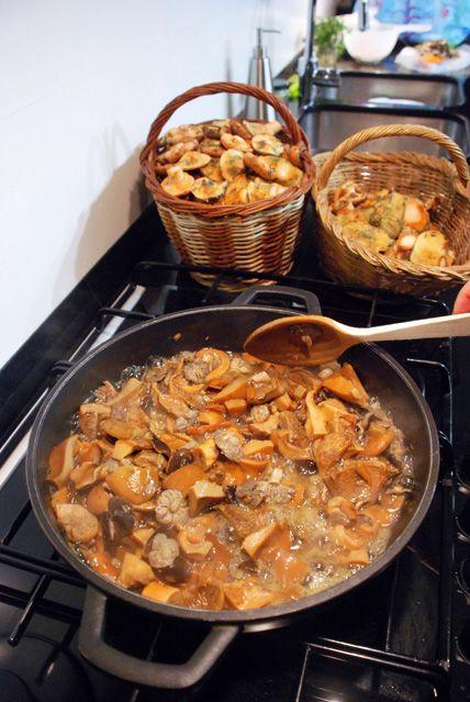 i avui què cuino?: ESTOFAT DE VEDELLA AMB BOLETS