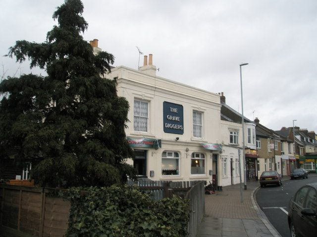 The Grave Diggers in Highland Road, Southsea. 19th Century pub, now a house.