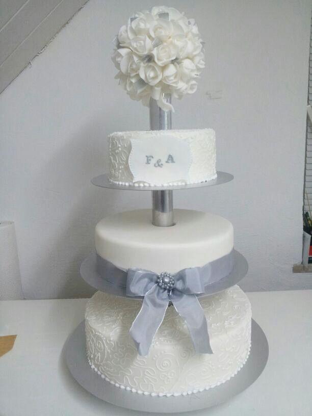 Silber Hochzeitstorte