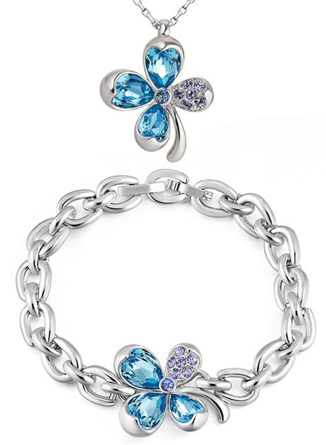 Beautiful Flower Pendant and Bracelet