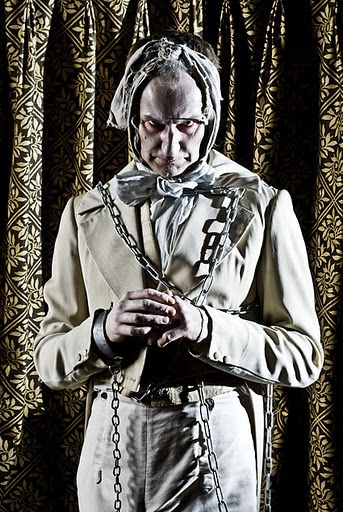 Mark Gatiss as Jacob Marley. One of my favorite people as one of my favorite characters? Why has this been concealed from me until now?