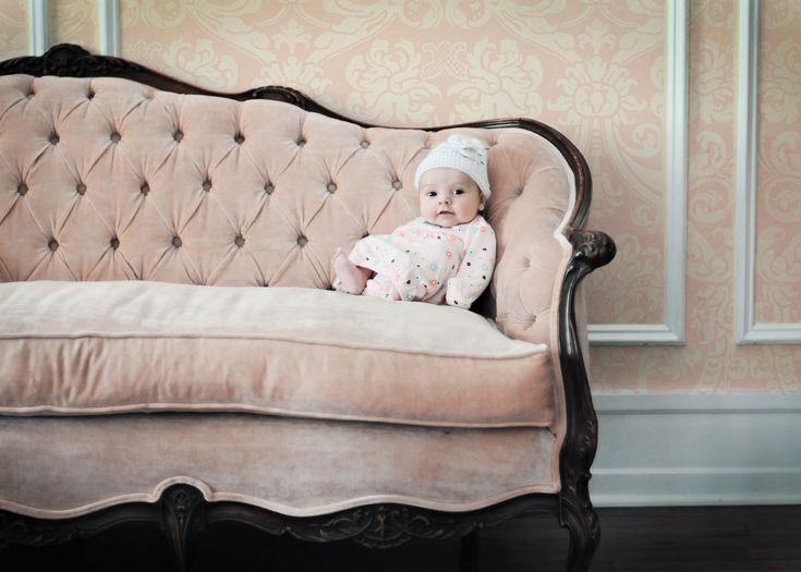 Soft Pink Antique Sofa For My Sitting Room