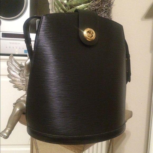 """Louis Vuitton Auth. epi leather.  speedy black 12""""x10.5  LV authentic Louis Vuitton Bags Shoulder Bags"""
