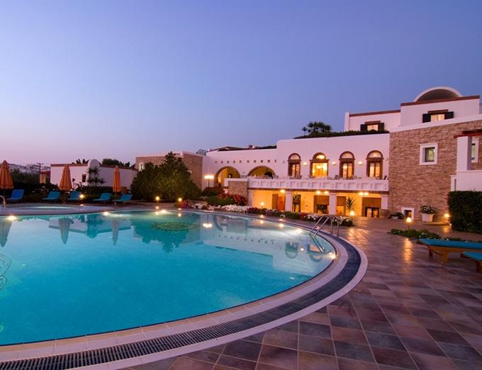 Porto Naxos pool area