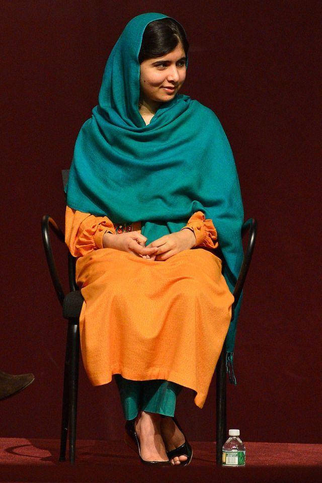 Resultado de imagen para malala pink sari