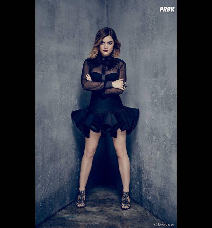 """Em """"Pretty Little Liars"""", Aria (Lucy Hale) surge toda de preto em nova imagem promocional"""