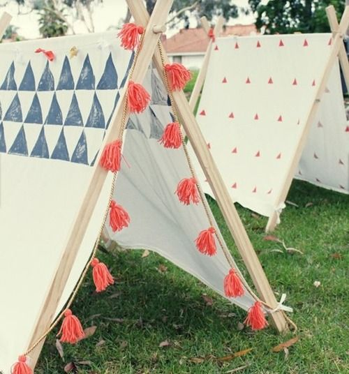 DIY tent anyone?  via mom.me - full instructions here on mycakies