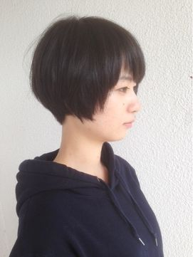 ヘアデザイン エソラ(hair design esora)襟足スッキリな黒髪ショートボブ