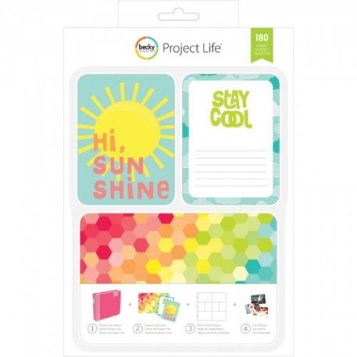 PROJECT LIFE - KIT 380333 - BECKY HIGGENS - HI, SUNSHINE Project Life kit inneholder 180 kort totalt.Du får 60 stk 4x6 kort, 30 title cards 6 designs, 5 each 30 journaling cards 6 designs, 5 each 120 3x4 cards: 30 designs, 4 each.De lar deg dokumentere viktige hendelser, ferier, eller rett og slett livet, på en enkel og spennende måte. Du trenger en album, plastlommer med inndeling, en penn og diverse kort. AMERICAN CRAFTS-Project Life ...