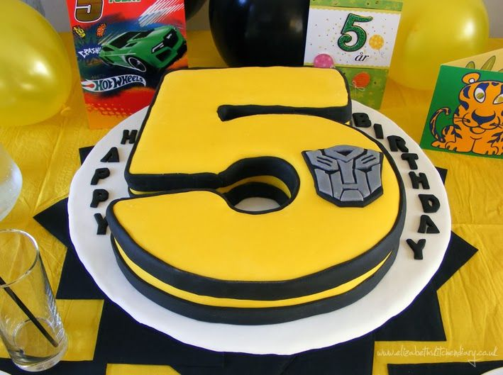 Wow - loving this Transformers birthday cake. Personalized with the birthday boy's age!