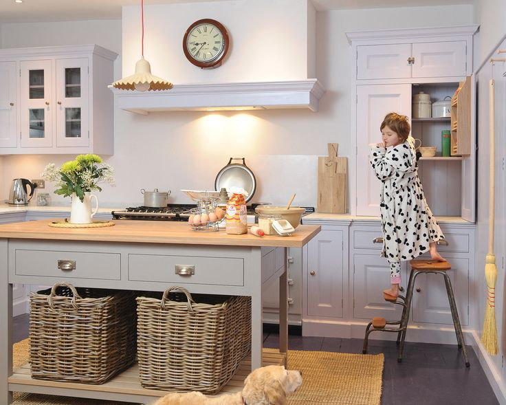 Coppice Guild are leading Kitchen Designers and Cabinet Makers in Bath and Wiltshire. Visit our website today for more information or call us on 01225 862268.