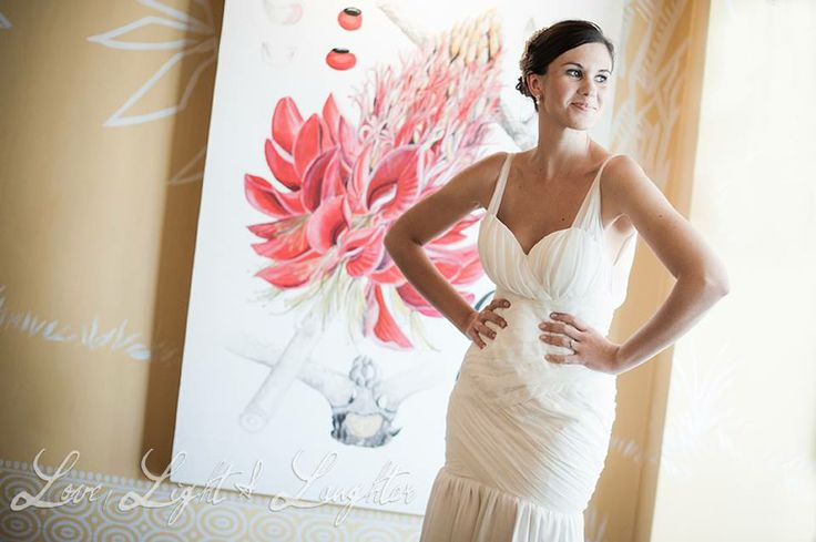 Nicola & Greg tie the knot at Hout Bay Manor! Image by @Carmensieta
