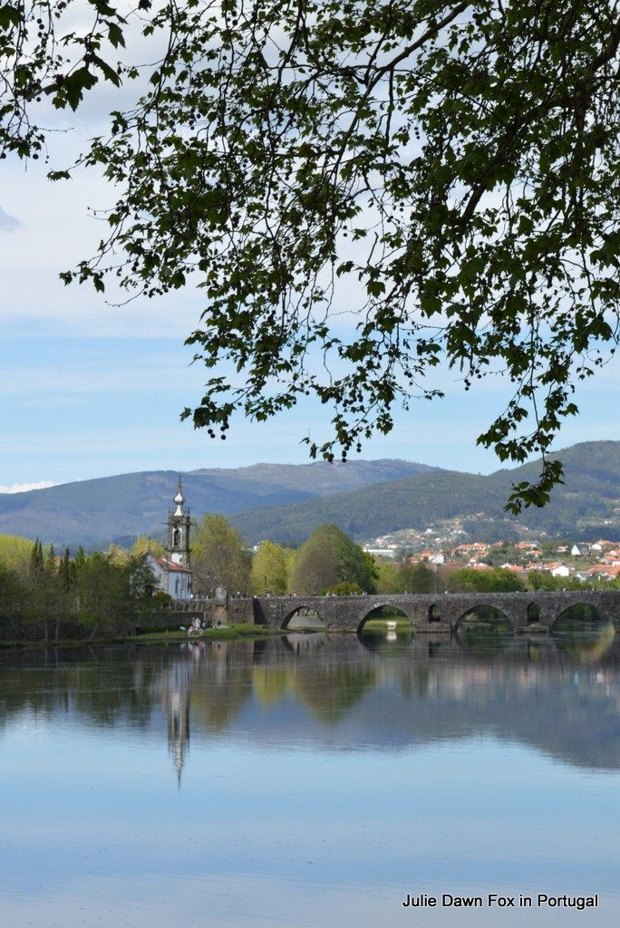 The 34 km stage of the central Portuguese Way of St. James from Barcelos to Ponte de Lima leads through beautiful countryside and best split over 2 days