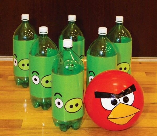 Angry birds carnival game or change to look like santa and reindeer or Christmas trees