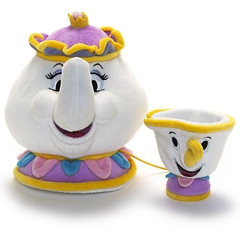 Petites peluches Zip et Madame Samovar  - marque : Disney Si Zip est une tasse, il est bien normal que Madame Samovar soit une théière. Magnifiquement confectionnées, ces peluches complèteront votre collection La Belle et la Bête.... prix : 25.00 EUR €  chez Disney Store #Disney #DisneyStore
