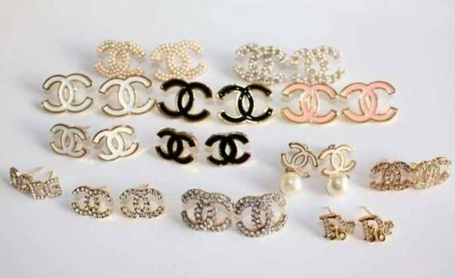 Need these...#earrings #chanel