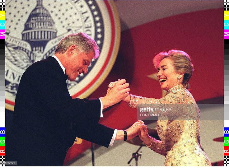 US President Bill Clinton and First Lady Hillary Clinton (R) dance at the inaugural ball at the National Building Museum 20 January in Washington, DC. Earlier 20 January US President Bill Clinton was sworn in for a second term as president. AFP PHOTO/Don EMMERT