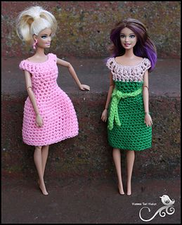 Lovely and simple dress for Barbie