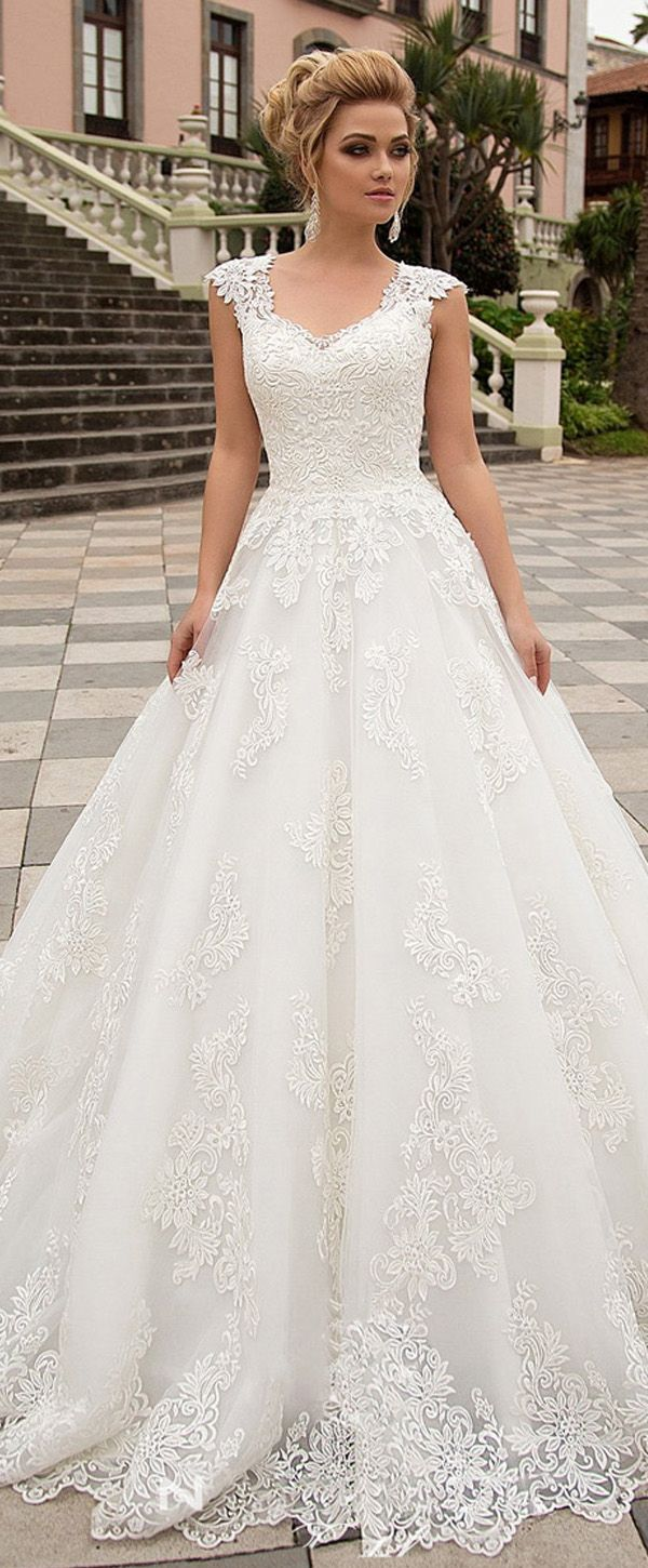 Exquisite Tüll & Organza V-Ausschnitt A-Linie Brautkleid mit Spitzenapplikation …   – Wedding Dress