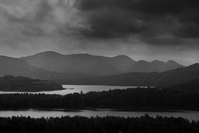 Solina Lake in black and white