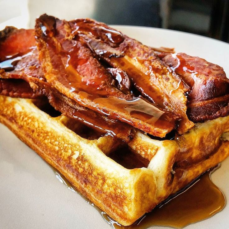 Waffles  @southsidegeelong  #staytrue #geelong #awesome #barista #cafe #latte #funny #beautiful #friday #lunch #bacon #yummo
