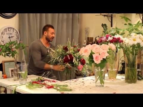 Слава Роска. Букет невесты с розами и пробосцидеей - YouTube