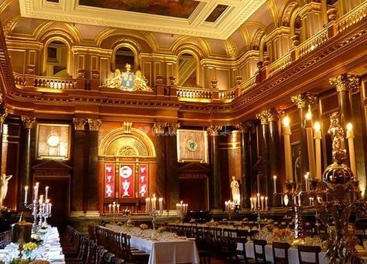 Majestic and breathtaking, Drapers' Hall combines stunning interiors with an unrivalled level of service to ensure that your wedding day is perfect in every way. Comfortably holding up to 700 for a wedding reception and 270 for a wedding breakfast,