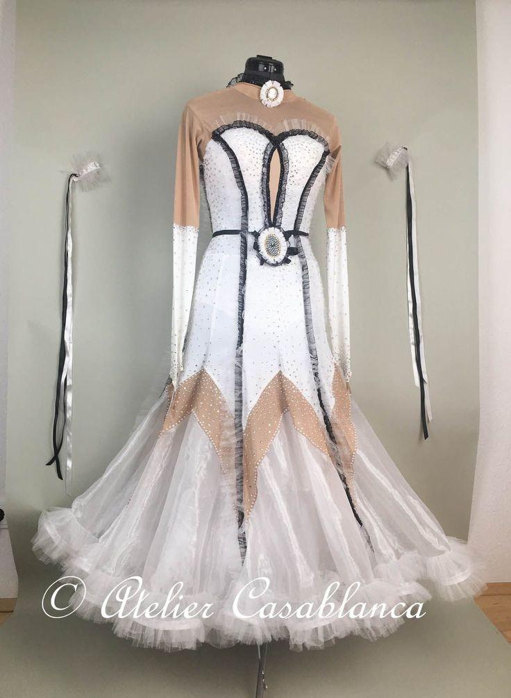 SK-JAG4 立体的なチュールのフリルと黒のベルベットのラインが美しい白&黒の長袖のスタンダードドレス(9-11号)   Atelier Casablanca -ダンスドレスの部屋- - 楽天ブログ