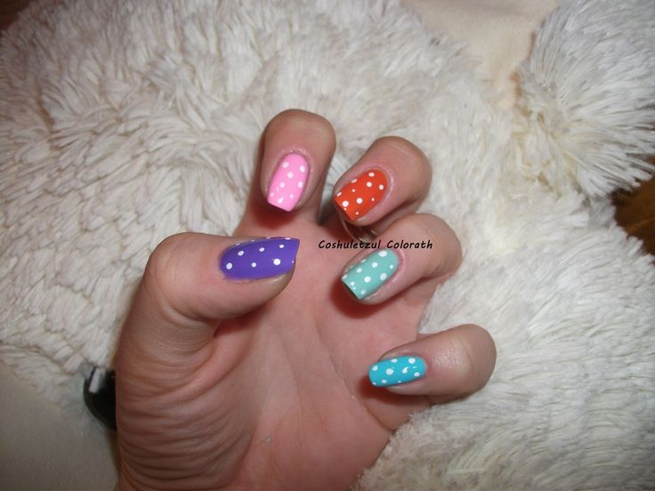 colorful nails, summer nails, dots