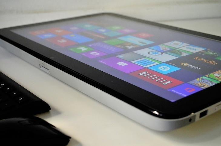 Para quienes lo prefieren de uso doméstico, el HP ENVY Rove 20 tiene diversas funciones. Puede convertirse en una tableta de 20 pulgadas (ideal para juegos de mesa) o utilizarlo como un ordenador principal de escritorio para trabajar en casa, realiz