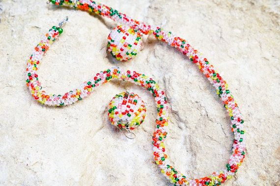 Комплект Ожерелье и Серьги Яркий Акцент от bellinalviv на Etsy, $25.00