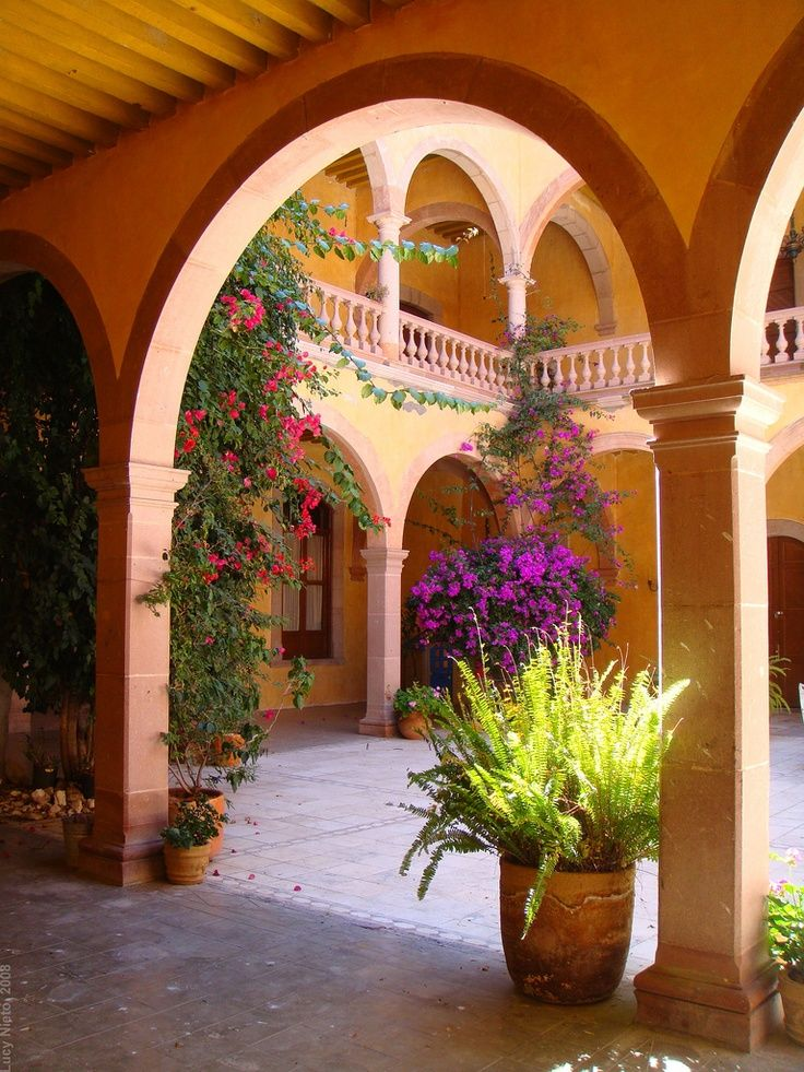 Hacienda gogorr n san luis potos mexico magic color for Hacienda style lighting