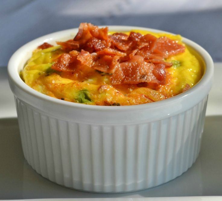 Mini breakfast soufflé (quiche) crustless for low carb meal.