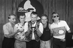 """Greg Ham, Saxophonist und Flötist der australischen Band """"Men at Work"""", ist verstorben."""