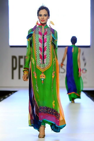 Somal Halepoto at Pakistan Fashion Week 2012 Lahore | BuzzPK
