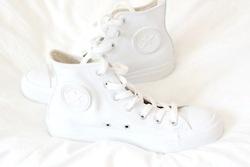 ♥ pure white converse shoes